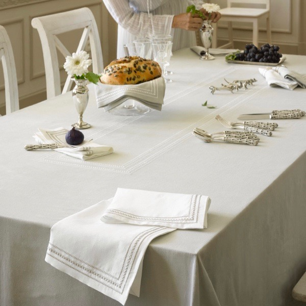 Mirabel Slabbinck Amona Table Cloth